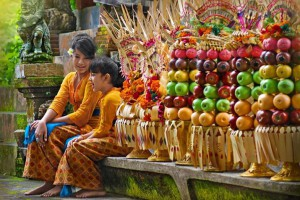Bali Culture _ Kuningan Traditional Balinese dress