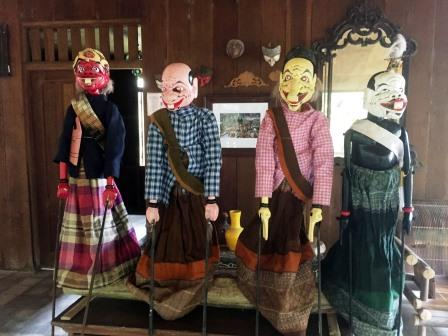 puppets Indonesian architecture