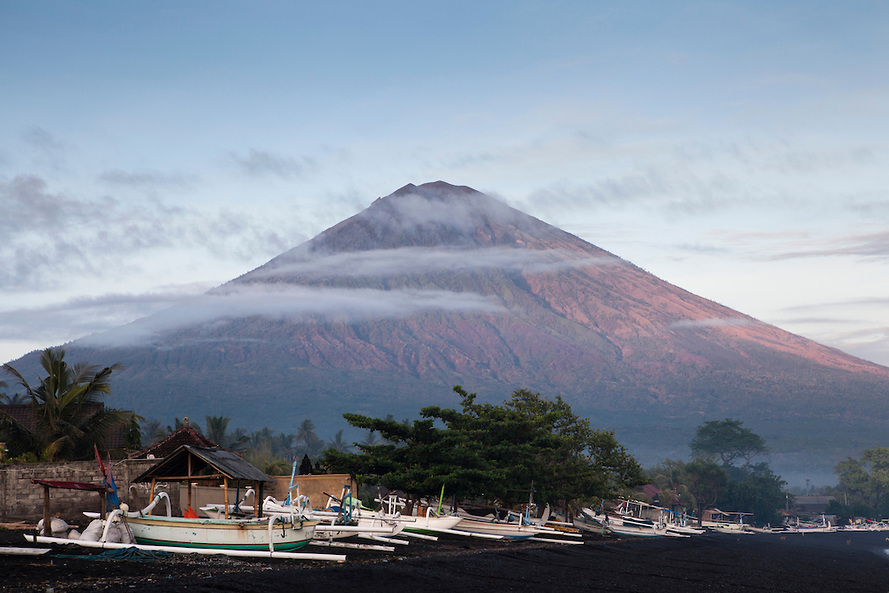 mount agung bali volcano