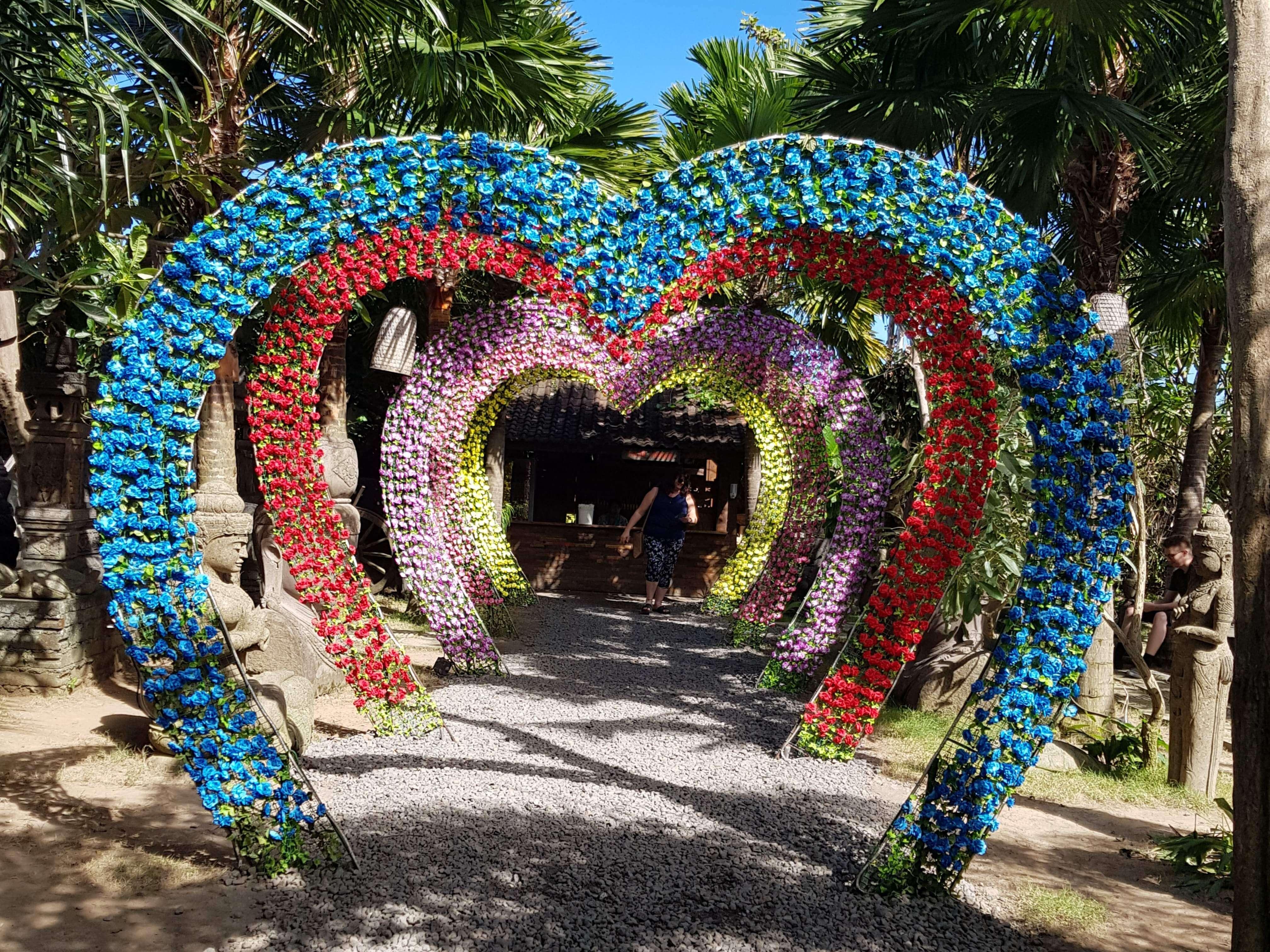 hearts bali big corner garden